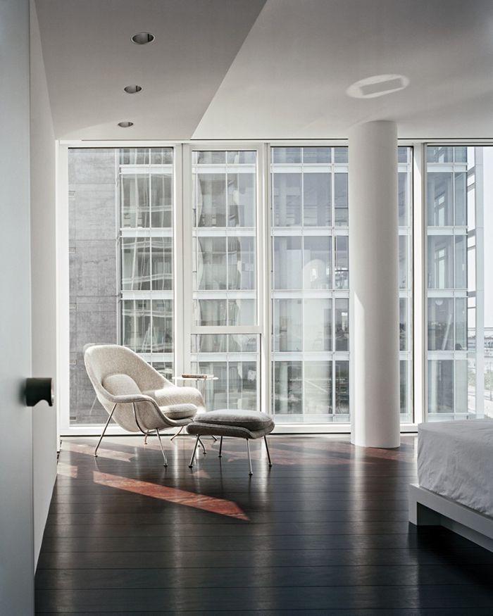 Ero Saarinen Womb Chair