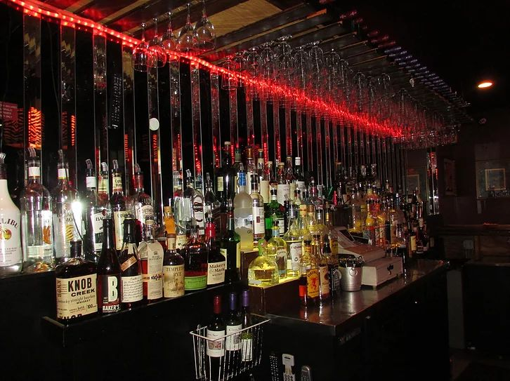 The Zebra Lounge is a historic piano bar located in Chicagos Goldcoast neighborhood. The Zebra Lounge features live piano music.
