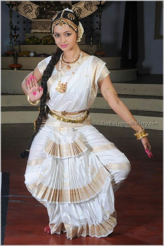Pin By Xerox Man On Bharatanatyam Pinterest Indian Classical Dance Indian And Indian Temple