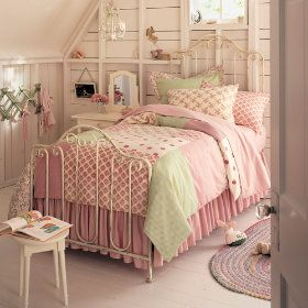 Best 25 Cast Iron Beds Ideas On Pinterest Antique Beds