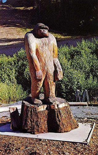 Bigfoot Statue Willow Creek, CA