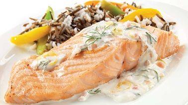 Tournedos de saumon grillés avec salsa aux bleuets | Recettes IGA | Barbecue, Poisson, Recette facile
