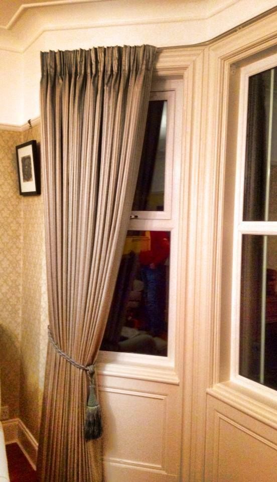 17 best images about bay window ideas on pinterest bay for Pencil pleat curtains on track