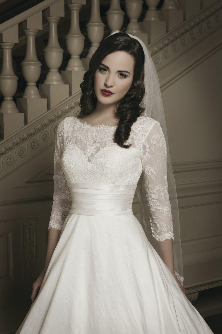 3 4 sleeve lace wedding dress   best Wedding Dresses images on Pinterest  Wedding frocks