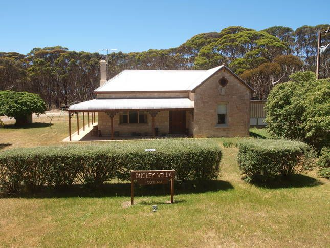 Dudley Villa pet and family, a Penneshaw House | Stayz