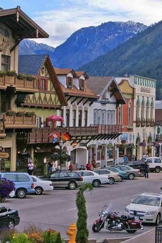 Leavenworth- This is a neat town to stay in,in December, each weekend they have Santa, caroling and the whole town is decorated. The best part is each evening they do a countdown at dusk and then turn on the lights.