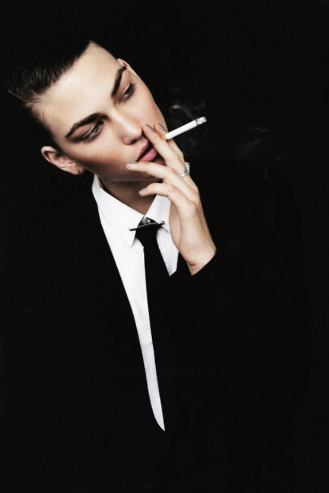Androgynous #NowTrending #ManUp | styloko.com