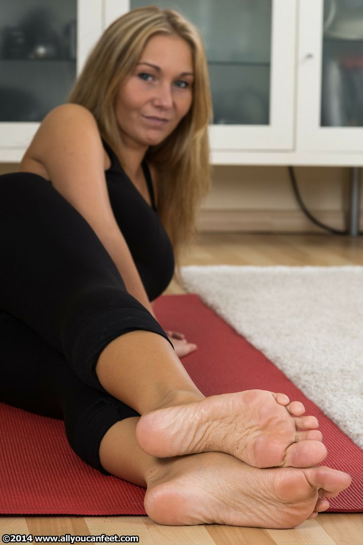 foot fetish blondes