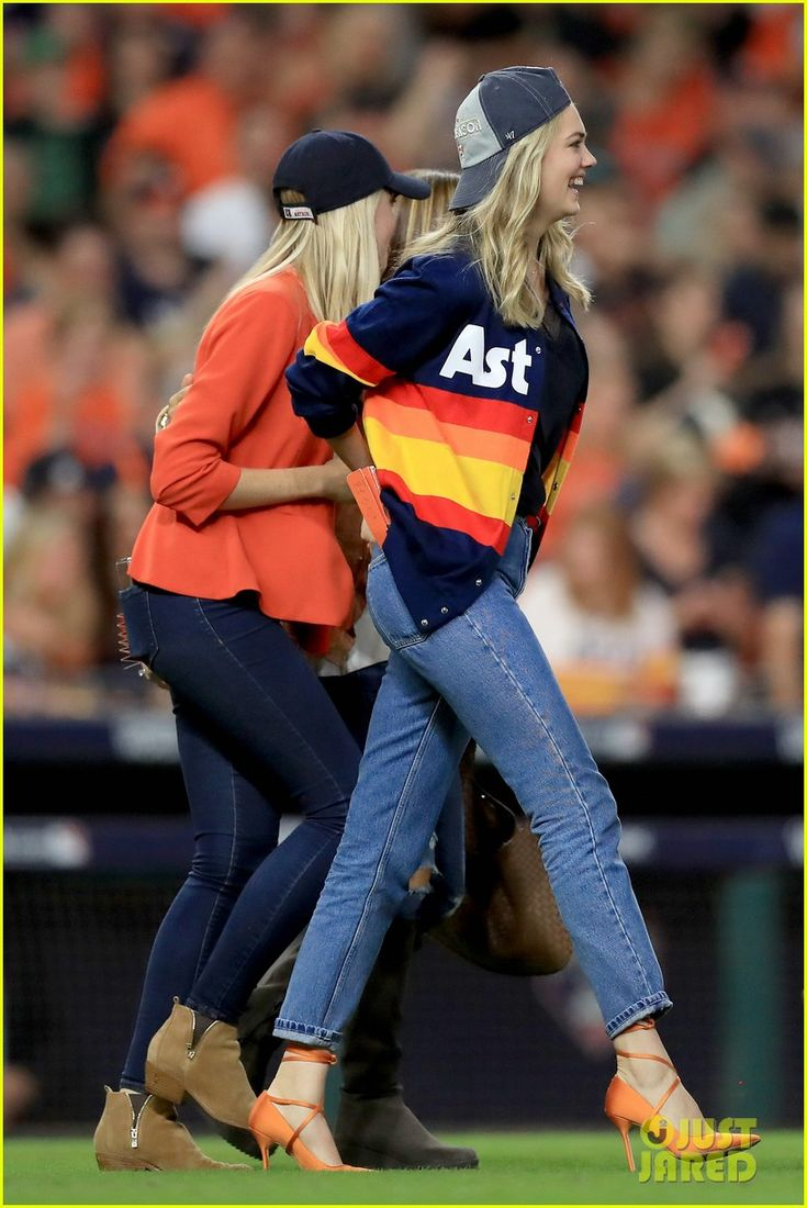 Love seeing things like this unfold! Kate Upton, Fiance of Justin Verlander & the Houston Astros, shows her support for them both at the World Series!