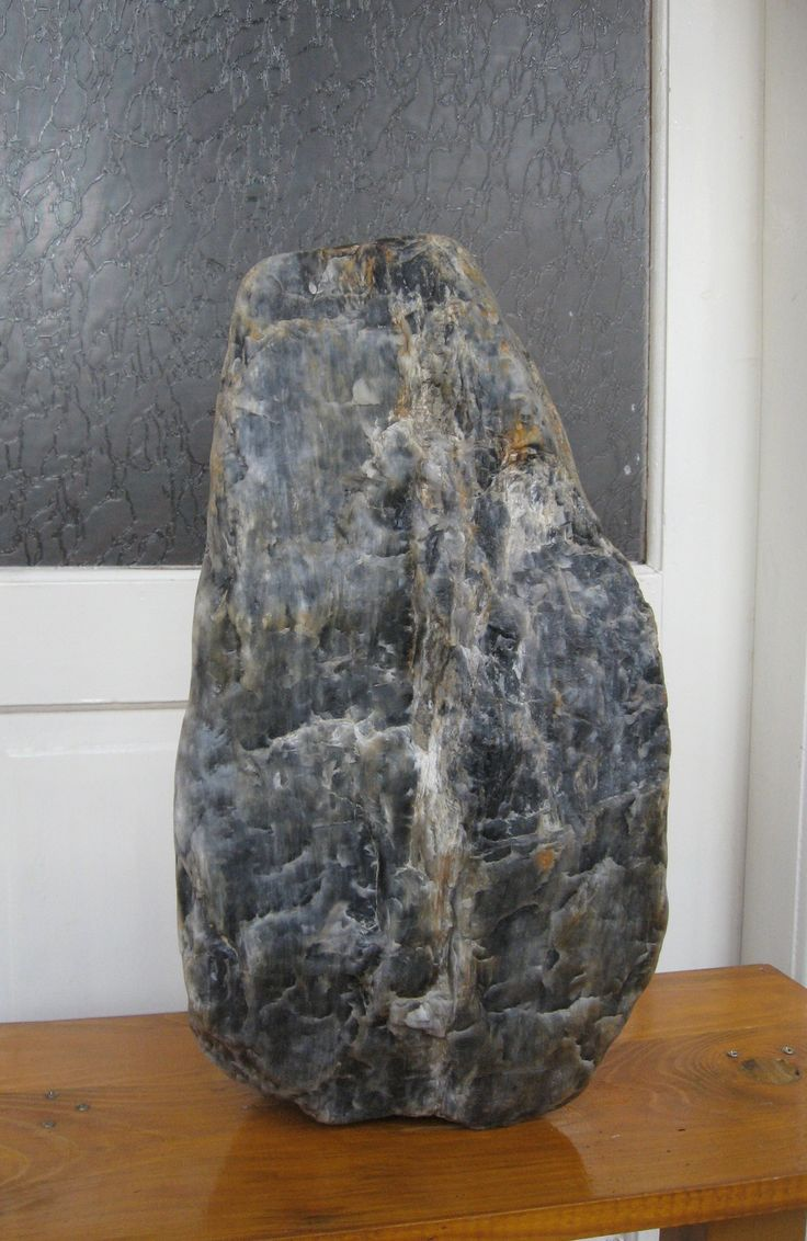 Grey_bluish quartz of volcanic origin found on 17 April 2017, Cambrian era, approximately 500 million years old. It measures 52 cm high, 26 cm wide and weighs 100 kilos, personal finding.