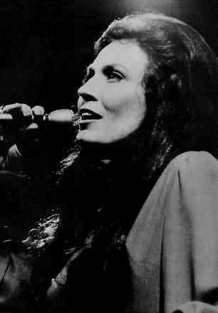 Loretta Lynn: married at 13, taught herself guitar at 24, a hit-maker at 25.  Proof that you never know where your life will take you. <3