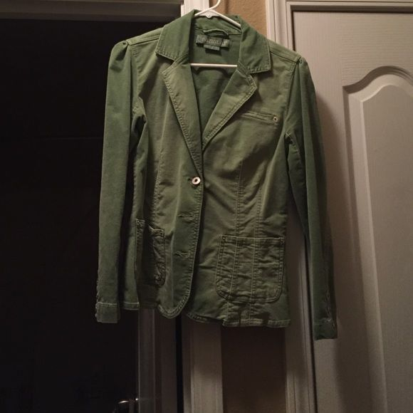 Green suede blazer Suede blazer only worn a few time. Really cute with skinny jeans Jackets & Coats Blazers