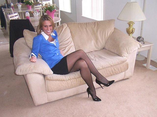 WOMEN SITTING CROSSED LEGS By Superjc22000 Via Flickr