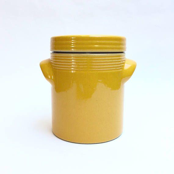 Ancien Pot En Grès Emaillé. Pot Céramique. Pot Fleur. Pot #frenchpottery #potengres #Stonewarecrock #stonewarepot #primitivejar #jarreancienne #potàustensiles #rangementcuisine #poterieancienne #yellowpot #yellowceramic #yellowdecor #utensilsholder #antiquevase #etsyshop #vintageshop #vaseancien #yellowpottery #céramiquejaune #céramique #potdefleur #potplante #potenterrecuite #terracottapots #vasecéramique #ceramicvase #antiquecanisters #vintageplanter #outdoordecor #latelierdenanah…