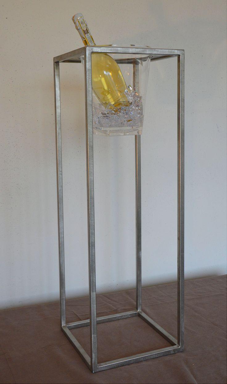 """""""INSOLITO ACCIAIO"""" Porta-ghiaccio davvero unico ! ...un vero gioiello in acciaio inox e plexiglass trasparente: della serie MUM è pure interscambiabile con fioriere e lanterne della stessa serie"""