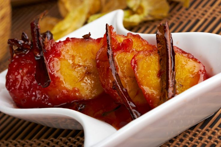 Plátanos en almibar (Ripe plantain dessert) - http://www.elboricua.com/platanosalmibar.html