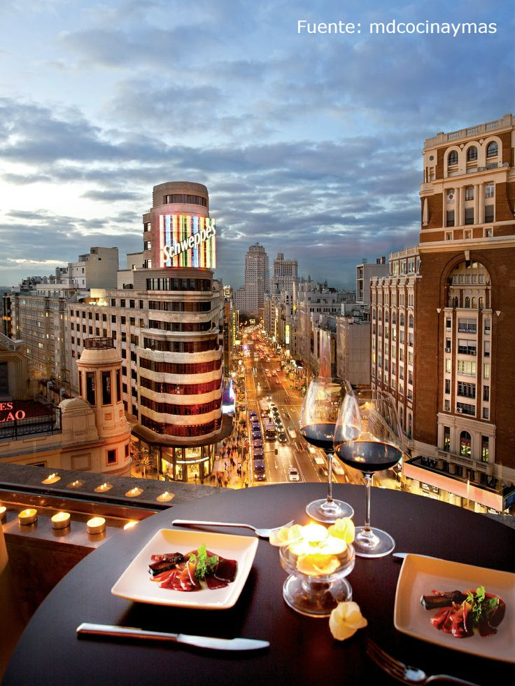 From the terrace of the Gourmet Experience Callao, you will enjoy a magnificent view of the city of Madrid