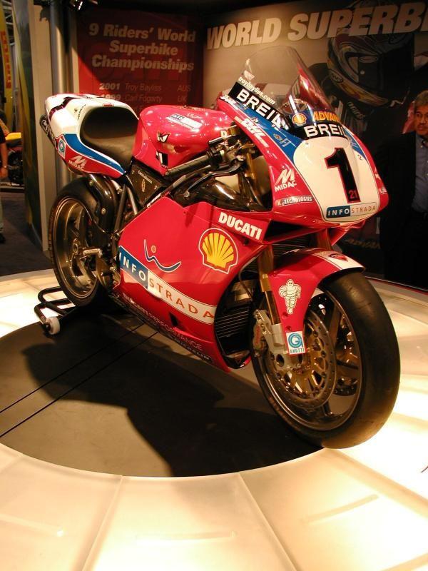 Ducati 998F02. Troy Bayliss www.blinkknives.com