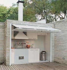 Cela peut être une idée si vous adorez cuisiner dans votre jardin. Mes conseils pour créer un coin repas au jardin : http://www.amenagementdujardin.net/creer-un-coin-repas-au-jardin/