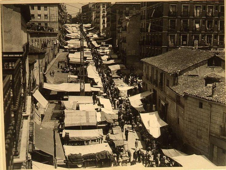 Ribera de Curtidores, el Rastro, 1929 Ferriz. Museo Municipal de Madrid.