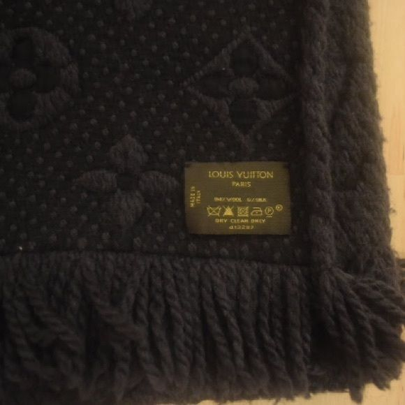 Mens Black Louis Vuitton Scarf with Bag & Box 100% Authentic. Comfy Wool and Silk Blend. The perfect scarf to make a fashion statement during the upcoming season. Louis Vuitton Accessories Scarves & Wraps