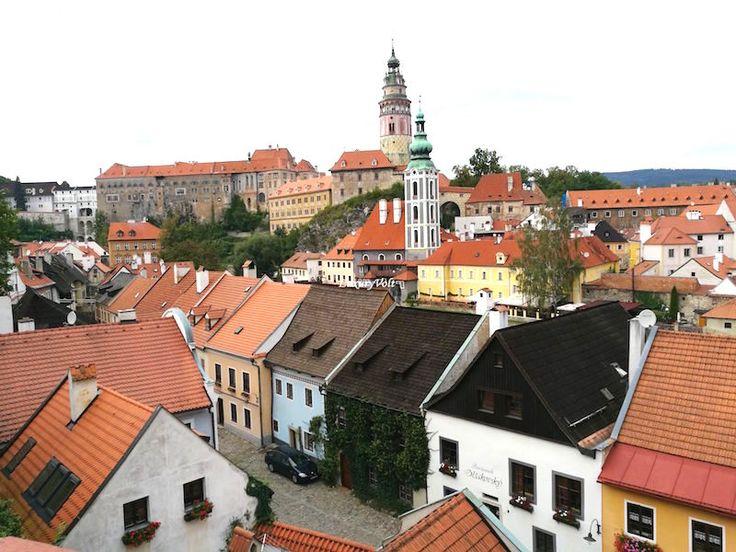 Best Small Towns Europe: Cesky Krumlov in Czech Republic #CESKYKRUMLOV , #CESKYKRUMLOVCASTLE , #CZECHREPUBLICTOURIST , #INSTAGRAMLOCATIONS, #LUXURYHOTELS #CESKY #KRUMLOV, #SMALLTOWNSCzech  #TOYTOWNS #holidayideas #luxuryholidays #secretspotstourists #secreteurope #europeguide #czechtravelguide #awesomeholidays #awesomeczechplaces #czechbars