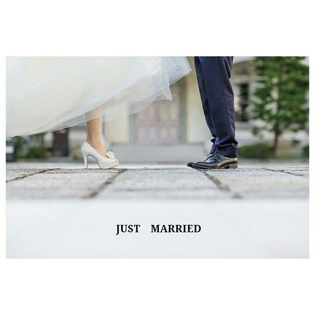 前撮り洋装④足元SHOT #ウェルカムボード とかにしたいなぁと 文字を入れてみた*  めーーーちゃくちゃ楽しみにしてた#足元ショット 素敵にとってもらってうれしい♡ お気に入りの靴がさらに可愛く見える♬  こんな風に撮ってるんやぁ! と、地面にはりついて 足元をカメラマンさんが撮ってくれる姿を見て感動!  #12センチヒールのせいで身長変わらない #考えずに買ってごめんなさい #当日はシークレットブーツはいてね #プレ花嫁#結婚準備#結婚式準備#weddingphotos#treatdressing#京都#kyoto#こりんwedding#京都前撮り#前撮り