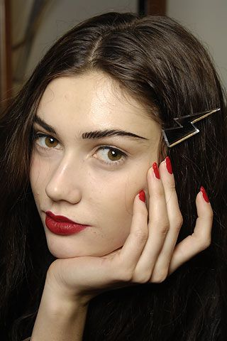 One portion red nails, a side of red lips and finished off with nude skin and you have the perfect recipe for autumn beauty.
