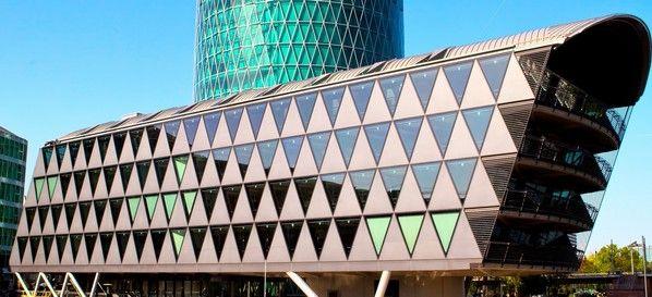 Tagungshotel Frankfurter Botschaft #businessmeeting #tagungshotel #tagungslocation #firmenevent #modern #architektur #design #businesslocation #eventlocation #eventinc