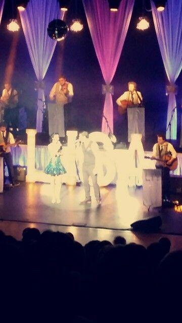 #lisamchugh #countrymusic #lorrianemcdonald #concertour #scissorsnewry #stage
