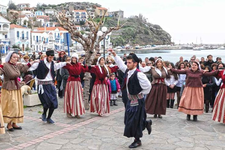 Authorities Call on Culture Ministry to Apply for Inclusion of Ikaria Dance on UNESCO List