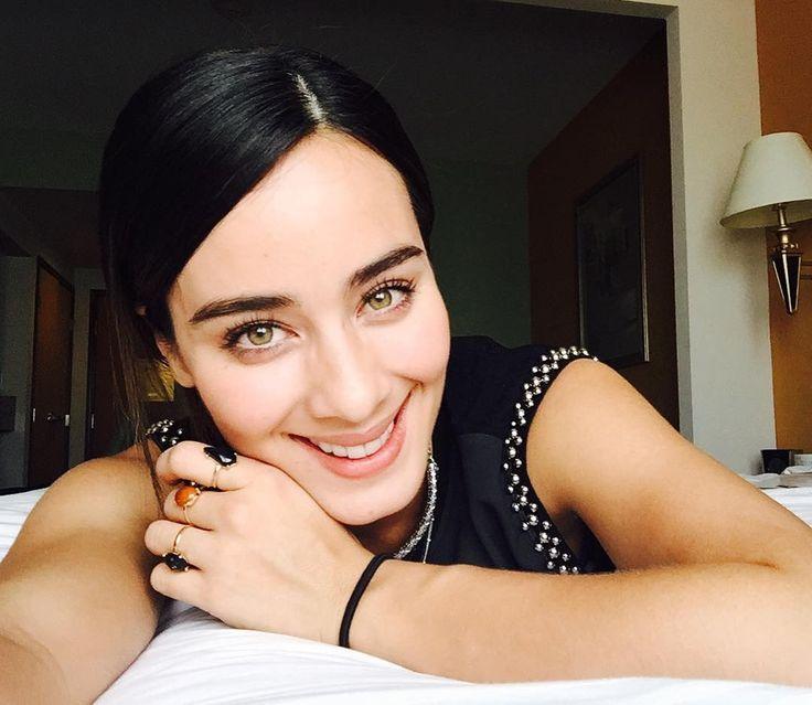 Esmeralda Pimentel (@esmepimentel)