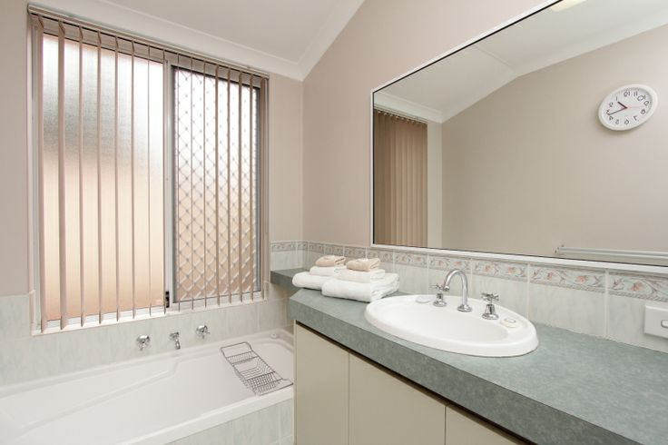 Adare House - Bathroom 2