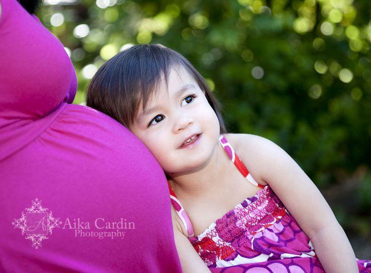 maternity pics with sib - cute idea!