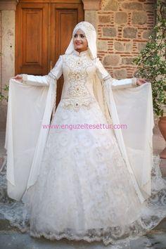 http://www.enguzeltesettur.com/bayram-icin-pinar-sems-tasarimi-kiyafetler/ #gelinlik #tesettür #işlemeli #gold #ekru #pınarşems #prenses #kapalı #weddingdresses #bridal