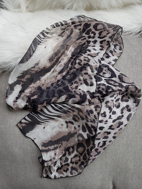 💋Foulard en soie zèbre léopard dans sa boîte cadeau   Foulard en ... 66c3a586a7f