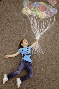 Great photo idea ~ Chalk balloons on the driveway