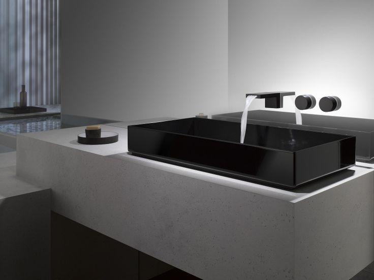 robinet design pour la vasque rectangulaire