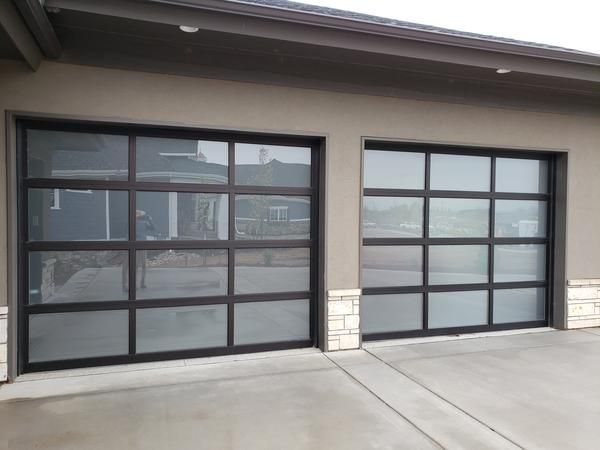 Contemporary Aluminum Frosted Tempered Privacy Glass Garage