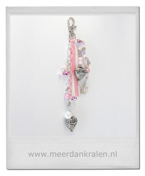 Nieuw in de webshop: Leuk cadeau voor Valentijn! tashanger sleutelhanger kralen