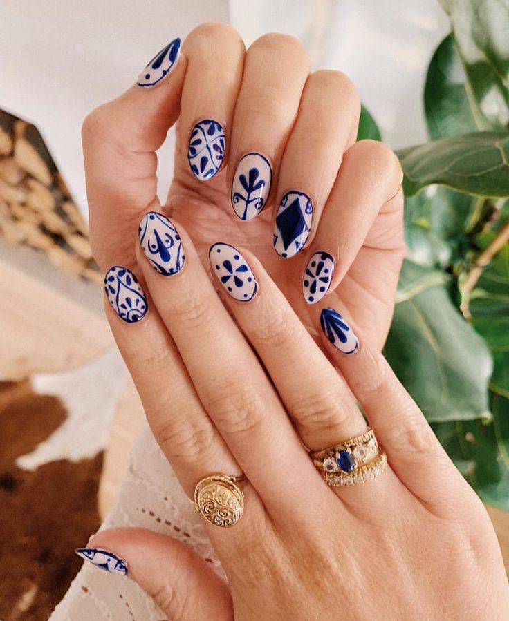 Pretty Polished: How to DIY the Tiled Nail Art Trend We Can't Stop Obsessing O…