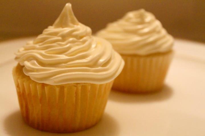 Vanilla Milkshake Cupcake | Cupcakes by Bani | Pinterest
