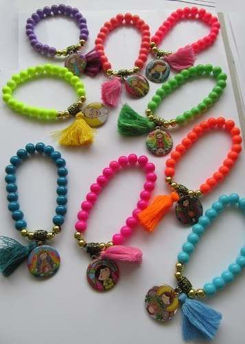 10 pulseras medallita porfis o papa con flequito hermosas