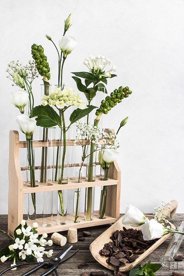 Blumendekoration Regal Reagenzglas