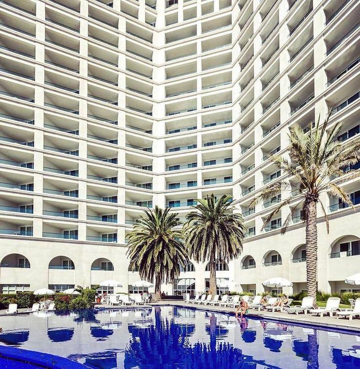 Si buscas relajarte con un clima mediterráneo #Rosarito es la ciudad que estabas buscando, encontrarás diferentes hoteles para hospedarte como Rosarito Beach Hotel que se encuentra en la zona centro a solo unos pasos de la playa Conoce más visitando www.rosarito.org  #BajaCalifornia #DiscoverBaja #Hotel #Trivago #DescubreBC #EnjoyBaja #DisfrutaBC # BC #Baja #Mexico #MX