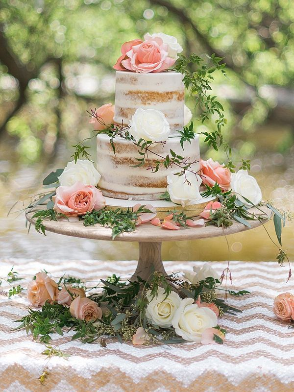Beautiful Cake Presentation ~ Rustic Minimal Frosting and Smooth Unfinished Wood Cake Stand