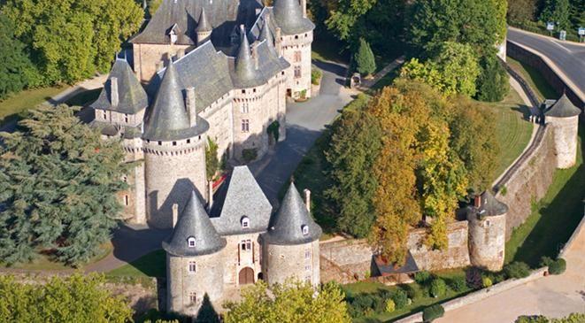 Pompadour - ARNAC POMPADOUR - Vacances en Corrèze - Tourisme en Corrèze