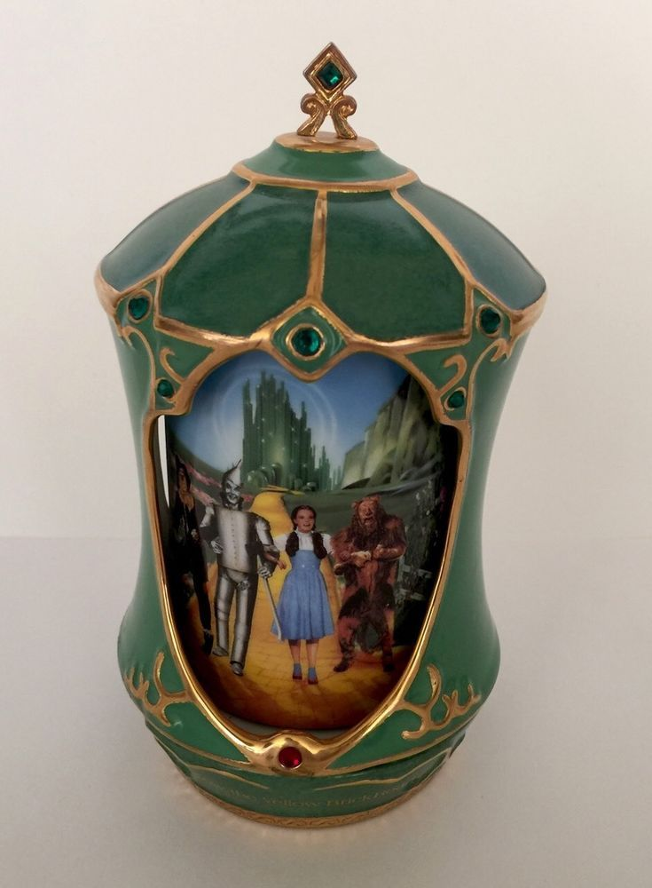 "Ardleigh Elliot WIZARD OF OZ Revolving MUSIC BOX ""Follow theYellow Brick Road"""