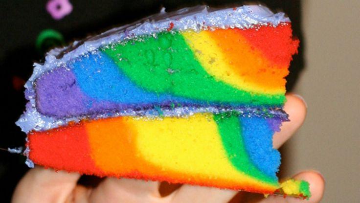 Perdido na Cozinha: Bolo Arco-íris (colorido) recheado   Igor Saringer -  /  Lost in the Kitchen: Rainbow Cake (colored) stuffed   Igor Saringer -