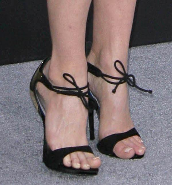 Alice Eve wears Giuseppe Zanotti Spring 2013 sandals